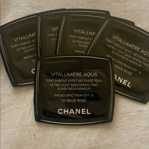 Vitalumiere Aqua Chanel samples